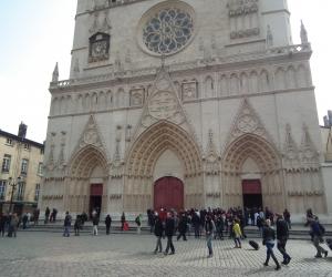 zuzka_musilova_na_cestach_basilika_notre_dame_fourviere_a_cathedrale_saint_jean_lyon_2867