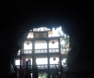 zuzka_musilova_na_cestach_cave_ton_perak_temple1085