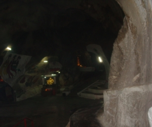 zuzka_musilova_na_cestach_cave_ton_perak_temple1103