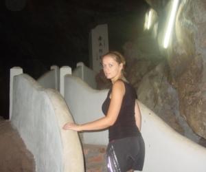 zuzka_musilova_na_cestach_cave_ton_perak_temple1121