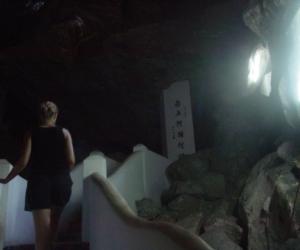 zuzka_musilova_na_cestach_cave_ton_perak_temple1122