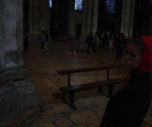 zuzka_musilova_na_cestach_chartres_katedrala_notre_-dame_interier686