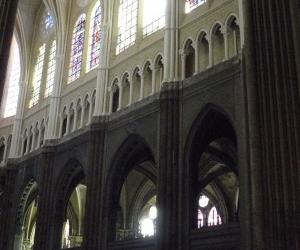 zuzka_musilova_na_cestach_chartres_katedrala_notre_-dame_interier724