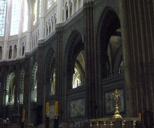 zuzka_musilova_na_cestach_chartres_katedrala_notre_-dame_interier729