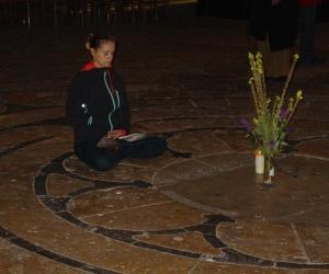 zuzka_musilova_na_cestach_chartres_katedrala_notre_-dame_labyrint751