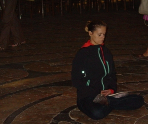 zuzka_musilova_na_cestach_chartres_katedrala_notre_-dame_labyrint752