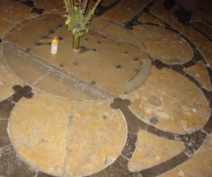 zuzka_musilova_na_cestach_chartres_katedrala_notre_-dame_labyrint760