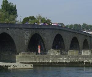 zuzka_musilova_na_cestach_steinerne_brucke_kamenny_most_regensburg1011