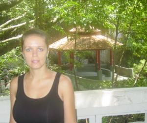 zuzka_musilova_na_cestach_cave_ton_perak_temple1135