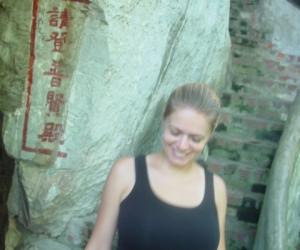 zuzka_musilova_na_cestach_cave_ton_perak_temple1160