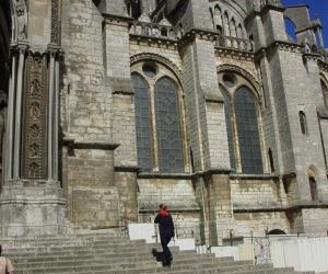 zuzka_musilova_na_cestach_chartres_katedrala_notre_-dame_exterier608