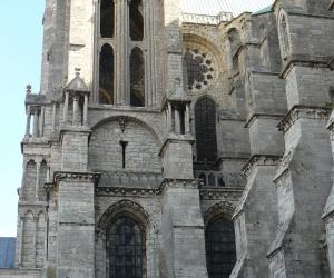 zuzka_musilova_na_cestach_chartres_katedrala_notre_-dame_exterier642