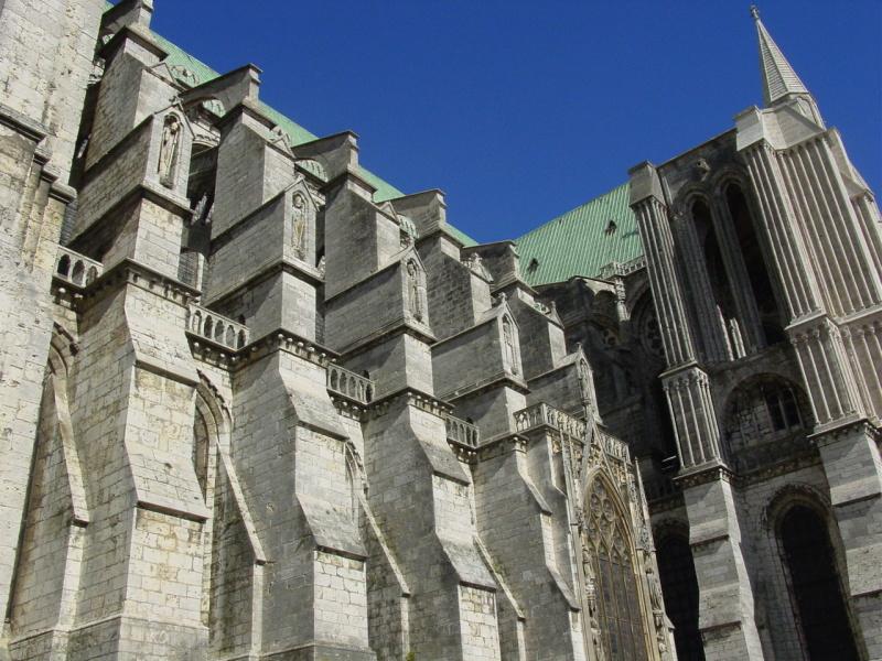 zuzka_musilova_na_cestach_chartres_katedrala_notre_-dame_exterier597