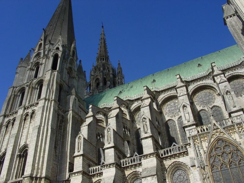zuzka_musilova_na_cestach_chartres_katedrala_notre_-dame_exterier601