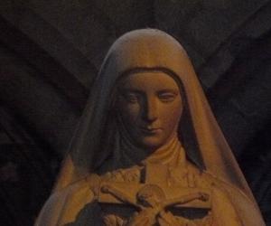 katedrala_notre_dame_v_remesi_svata_tereza23