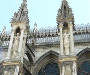 zuzka_musilova_na_cestach_katedrala_notre_dame_v_remesi1073