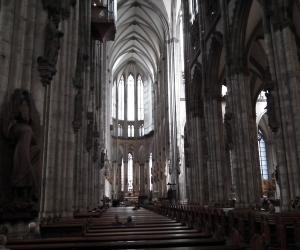 zuzka_musilova_na_cestach_kolner_dom_katedrala_sv_petra_kolin_nad_rynem_2599