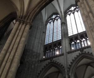 zuzka_musilova_na_cestach_kolner_dom_katedrala_sv_petra_kolin_nad_rynem_2605