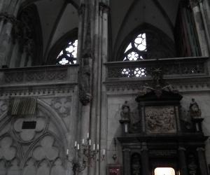 zuzka_musilova_na_cestach_kolner_dom_katedrala_sv_petra_kolin_nad_rynem_2670