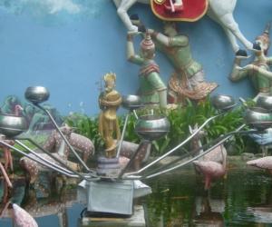 zuzka_musilova_na_cestach_shrine_-of_-dhammikarama_-burmese_-temple_penang_1551