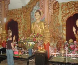 zuzka_musilova_na_cestach_shrine_-of_-dhammikarama_-burmese_-temple_penang_1555