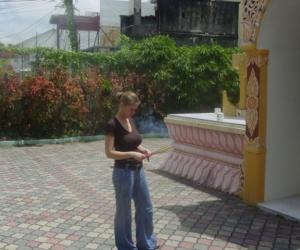 zuzka_musilova_na_cestach_shrine_-of_-dhammikarama_-burmese_-temple_penang_1558