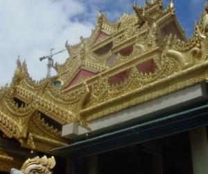 zuzka_musilova_na_cestach_shrine_-of_-dhammikarama_-burmese_-temple_penang_1561