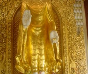 zuzka_musilova_na_cestach_shrine_-of_-dhammikarama_-burmese_-temple_penang_1562