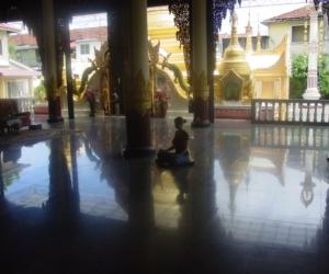zuzka_musilova_na_cestach_shrine_-of_-dhammikarama_-burmese_-temple_penang_1569