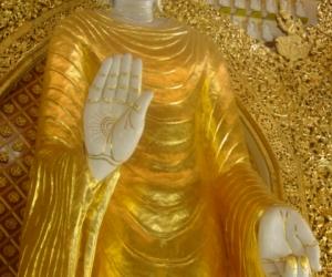 zuzka_musilova_na_cestach_shrine_-of_-dhammikarama_-burmese_-temple_penang_1570