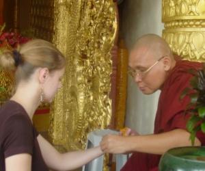 zuzka_musilova_na_cestach_shrine_-of_-dhammikarama_-burmese_-temple_penang_1578