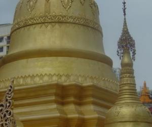 zuzka_musilova_na_cestach_shrine_-of_-dhammikarama_-burmese_-temple_penang_1583