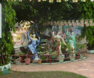 zuzka_musilova_na_cestach_shrine_-of_-dhammikarama_-burmese_-temple_penang_1608