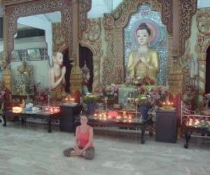 zuzka_musilova_na_cestach_shrine_-of_-dhammikarama_-burmese_-temple_penang_1618
