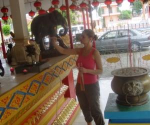 zuzka_musilova_na_cestach_wat_-chaiya_-mangkalaram_-temple_-penang-_1626