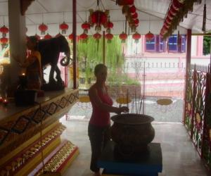 zuzka_musilova_na_cestach_wat_-chaiya_-mangkalaram_-temple_-penang-_1628
