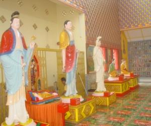zuzka_musilova_na_cestach_wat_-chaiya_-mangkalaram_-temple_-penang-_1643