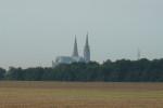 Chartres katedrála Notre Dame exterier a okolí
